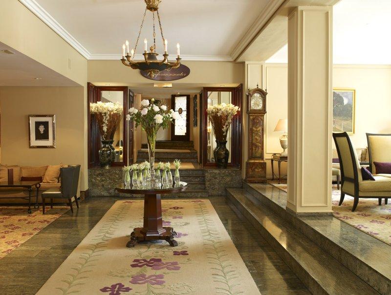 Hotel Continental Lobby