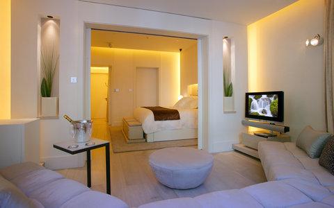阿布奥西餐厅酒店 - Suite