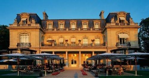Chateau Les Crayeres Pohled zvenku