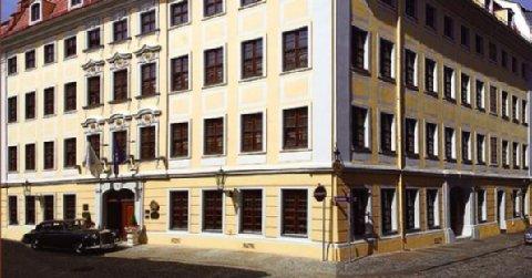 Buelow Palais - Exterior