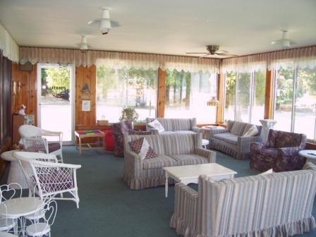 Lakeside Inn Resort - Whitehall, MI