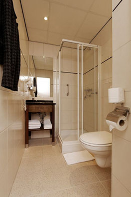 BEST WESTERN Dam Square Inn - Guest Bathroom