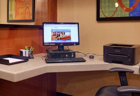 Fairfield Inn & Suites Albuquerque Airport - Business Center