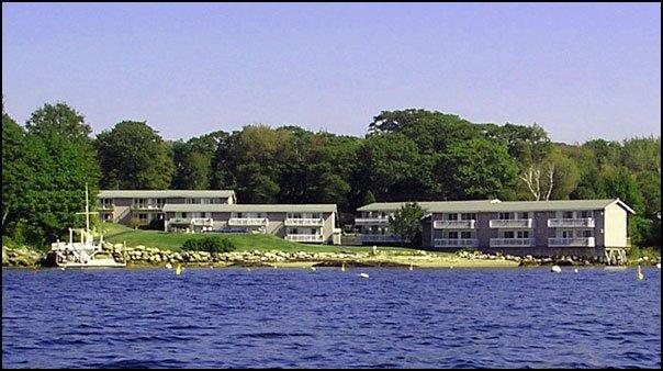 Smugglers Cove Inn - East Boothbay, ME