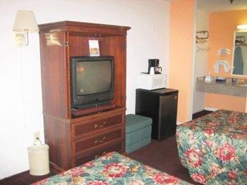 Garden View Motel - Tampa, FL