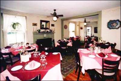 Colonial House Inn - Yarmouth Port, MA