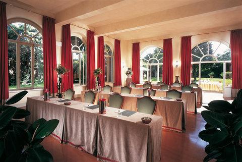 Villa La Massa - Rinuccini Meeting Room jpg