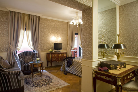 Grandhtl Majestic Gia Baglioni - Junior Suite -eighteenth century French style