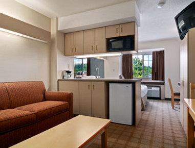 Microtel Inn & Suites by Wyndham Nashville - Suite