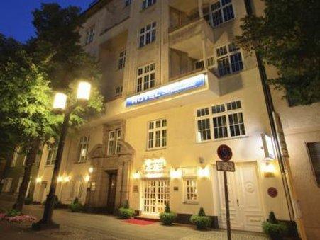Hotel Brandies - reception 24h