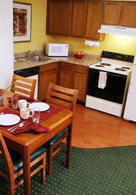 Residence Inn by Marriott Carlsbad - Suite Kitchen
