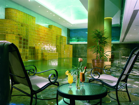 فندق الفيصلية - Health Club - Indoor Swimming Pool