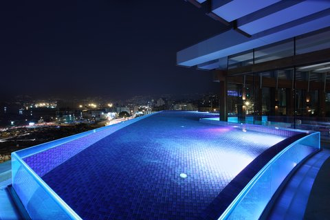 Le Gray - Rooftop Glass Infinity Pool overlooking Beirut