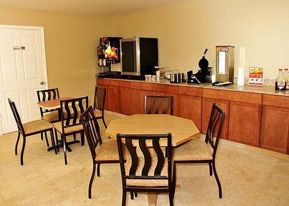 Quality Inn & Suites By the Parks - Kissimmee, FL