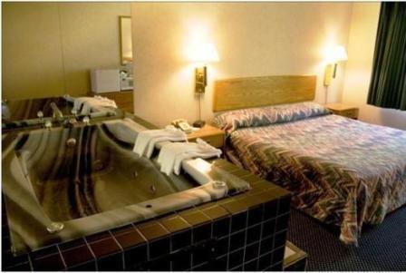 Katahdin Inn & Suites - Millinocket, ME