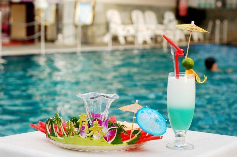 海口美华荷泰酒店 游泳池视图
