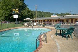 Pool - Relax Inn Bryson City