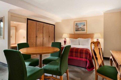 โรงแรมฮิลตัน นิวเบอรี่ เซ็นเตอร์ - Suite