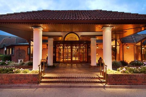 โรงแรมฮิลตัน นิวเบอรี่ เซ็นเตอร์ - Exterior