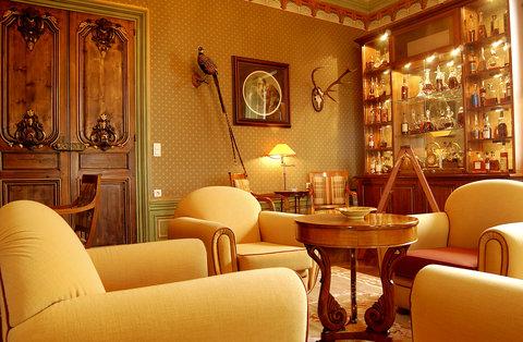 Chateau De Yeuse Cognac - Bar Lounge