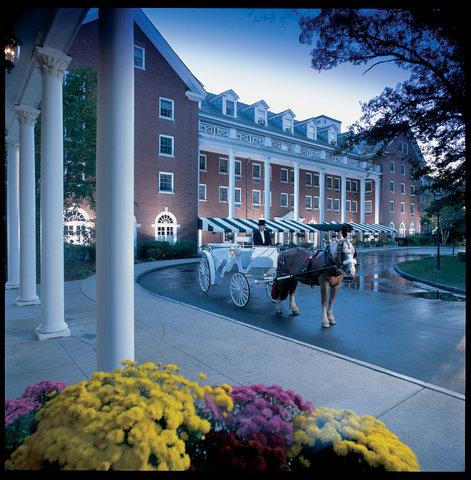 Gideon putnam hotel resort spa first class saratoga for Saratoga hotel in chicago