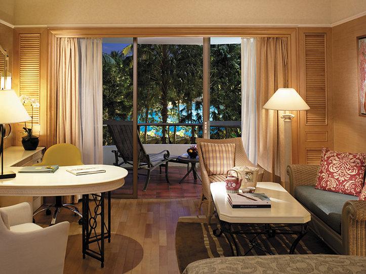 Shangri La Hotel Singapore Вид в номере