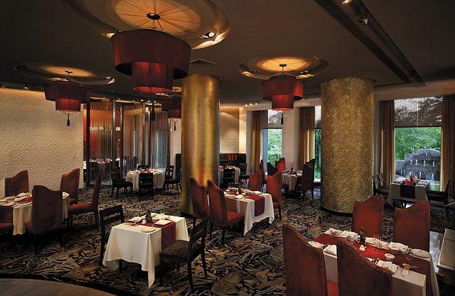 Shangri-La's Eros Hotel New Delhi Gastronomía