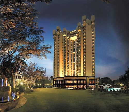 Shangri-La's Eros Hotel New Delhi Vista exterior