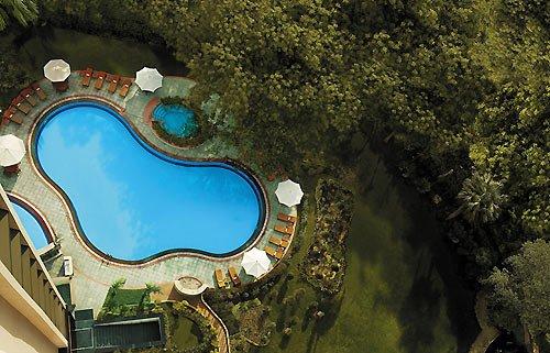 Shangri-La's Eros Hotel New Delhi Piscina