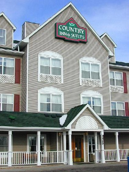 Country Inn & Suites Brooklyn Center - Minneapolis, MN