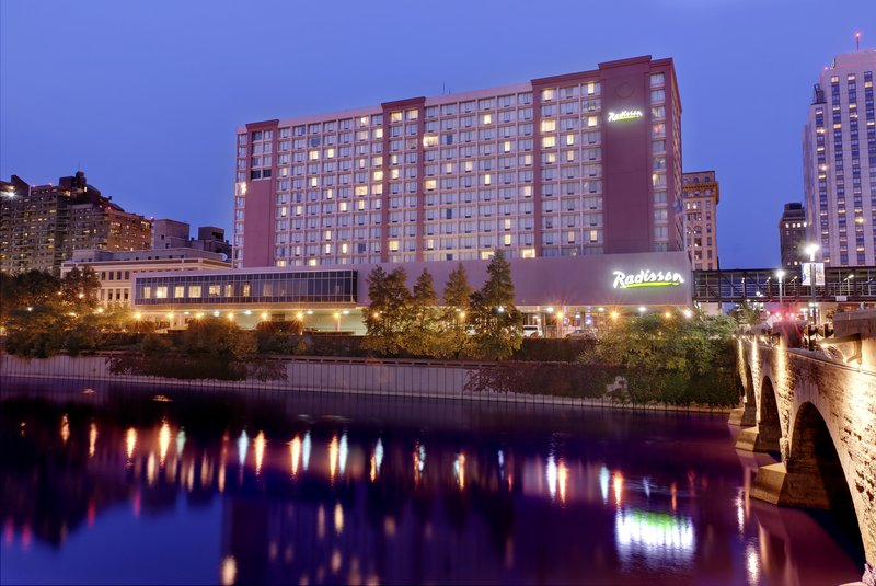 Radisson Rochester Riverside