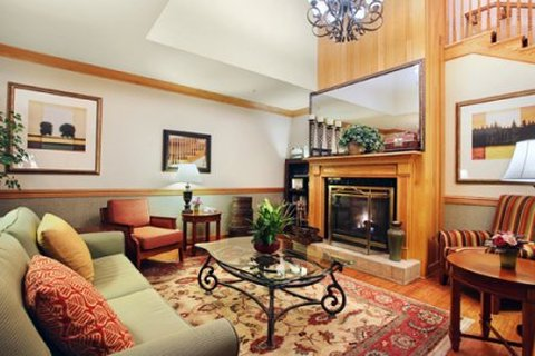 Country Inn and Suites Columbus Airport East - Lobby