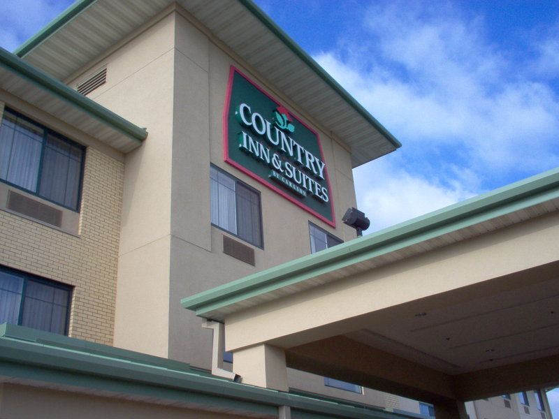 Country Inn & Suites Madison West - Middleton, WI