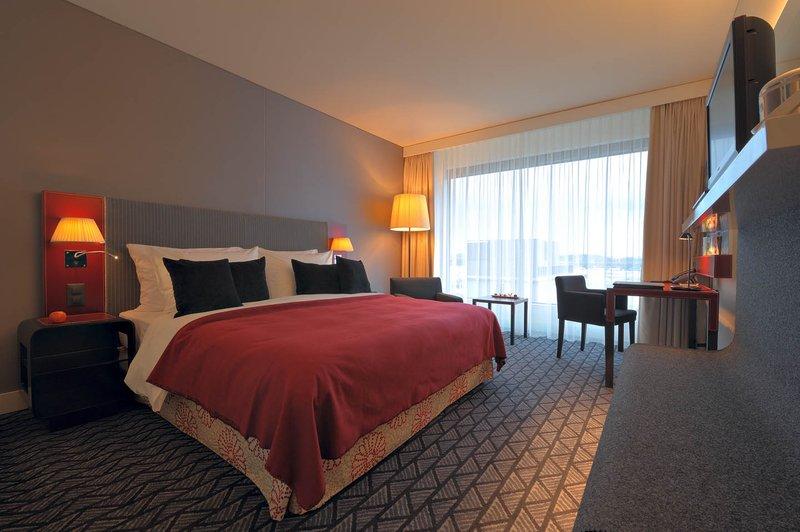 Radisson Blu Hotel, Zurich Airport Szobakilátás