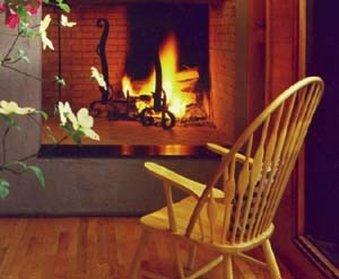 在米德尔顿广场酒店 - Guest Room featuring a fireplace at Middleton Inn