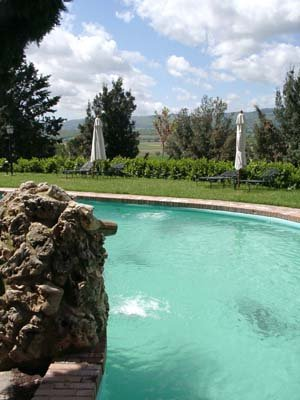 Arco Naturale Country House Vista da piscina