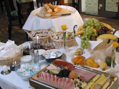 Hotel And Restaurant Auerstein - Breakfast