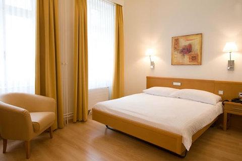 Hotel Rochat - Single Room