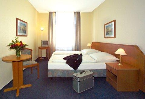 Hotel Lumen - Guest Room