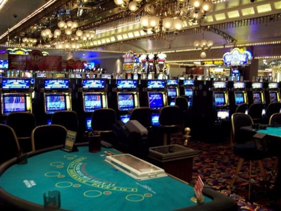 Four queen casino casino slotmachine play
