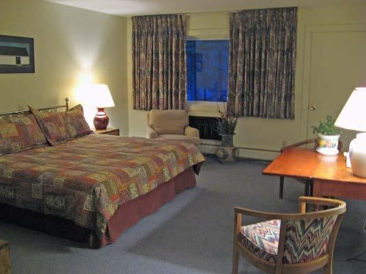 Hob Knob Inn & Restaurant - Stowe, VT