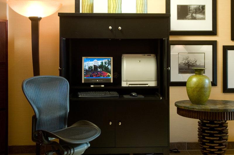 Phoenix Inn Suites - Albany, OR