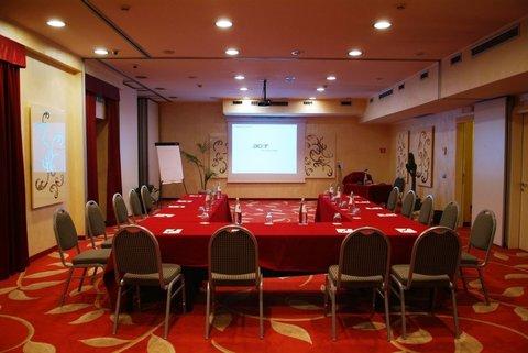 Poli Hotel - Meeting room