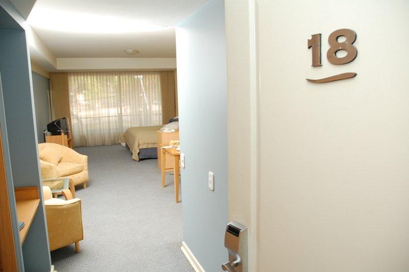 El Portal Suites Apart Hotel View of room