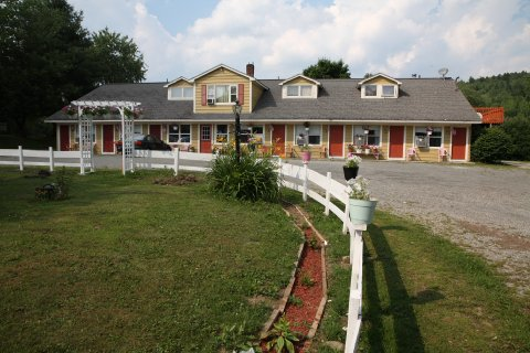 Vintage Motel Tourist Cl Wilmington Vt Hotels Gds Reservation Codes Travel Weekly