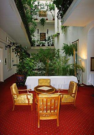 Erzherzog Johann Palais Hotel - Lobby View
