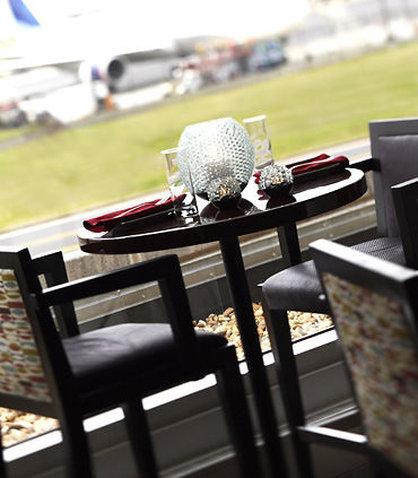 Renaissance Concourse Atlanta Airport Hotel - Concorde Bar View