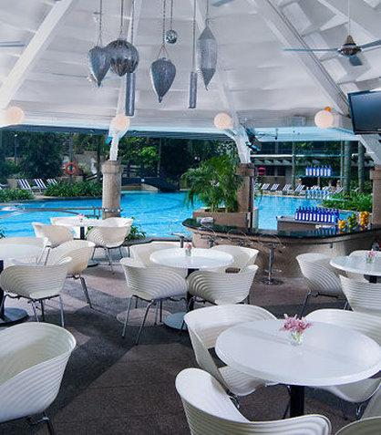 Renaissance Kuala Lumpur Hotel - Gazebo Poolside Restaurant