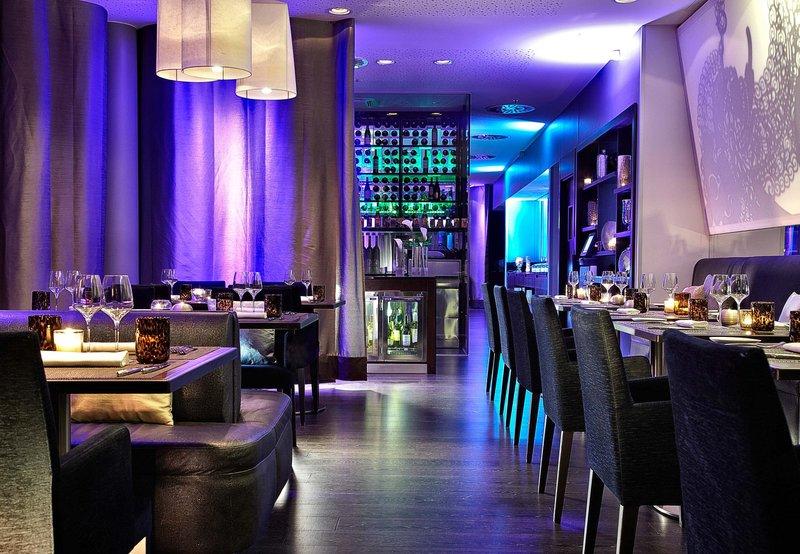 Renaissance Paris Arc de Triomphe Hotel Bar/Lounge