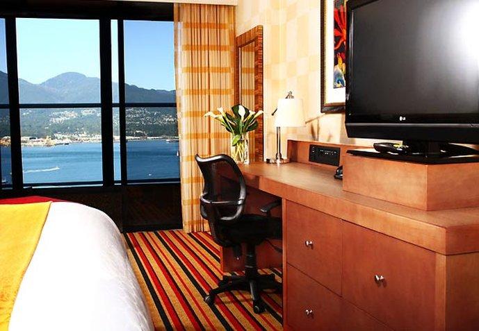 Renaissance Vancouver Hotel Harbourside 客房视图